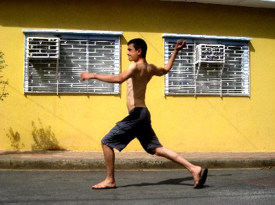 We finally make it to Nicaragua and Paul joins street baseball. The first country where soccer is not the national sport!